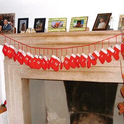 Calendario dell'avvento a forma di calze!, , large