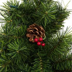 Albero di Natale con luci, pigne e bacche rosse, , large